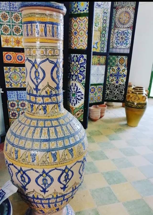 La poterie de Nabeul racontée par Christian Hongrois dans un livre