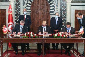 conventions francetunisieinfo 300x200 - Les Conventions de financement signées à l'occasion de la visite de Jean Yves Le Drian en Tunisie
