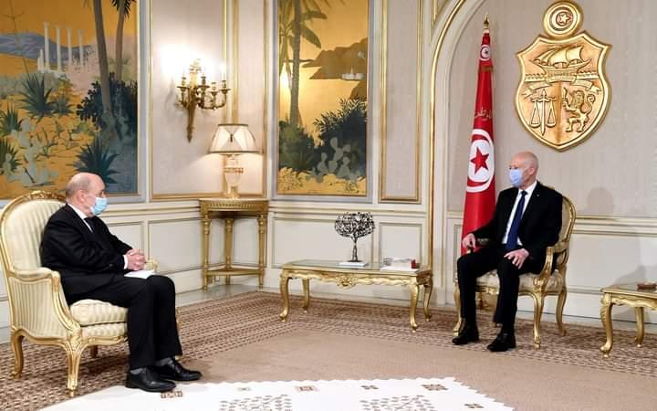 Le dossier libyen au centre de la visite du ministre Jean Yves Le Drian en Tunisie